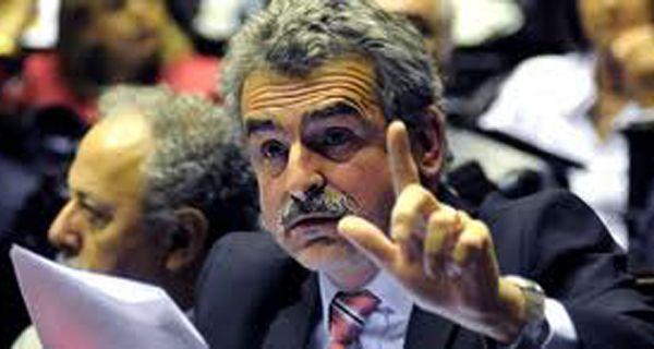 Rossi acusó a la oposición por demorar el tratamiento de leyes importantes para el país