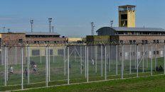 Un video muestra cómo dos presos se fugaron del penal de Piñero metidos en cajas