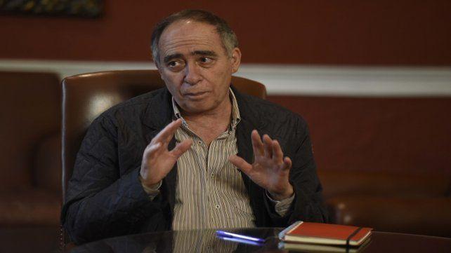Fernández busca su base de poder en la opinión pública y en sectores no peronistas.