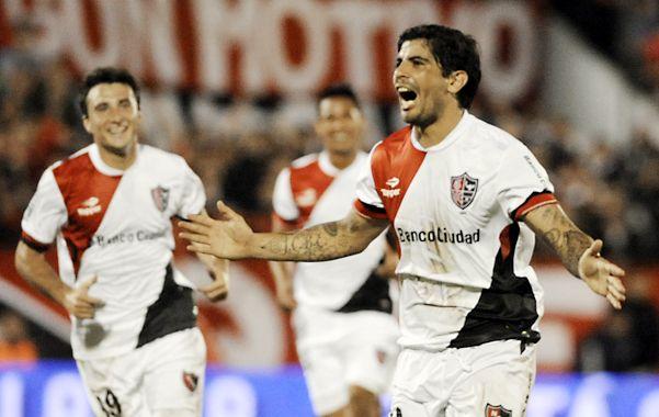 Que se repita. Ever Banega celebra el golazo que convirtió la fecha pasada en la victoria 2 a 1 ante Tigre. Newell's necesita el aporte del volante de la selección. (Foto. G. de los Ríos)