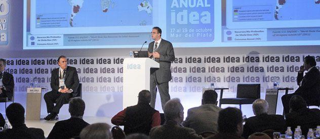 Soares habló en la jornada de cierre del 48º Coloquio de Idea.