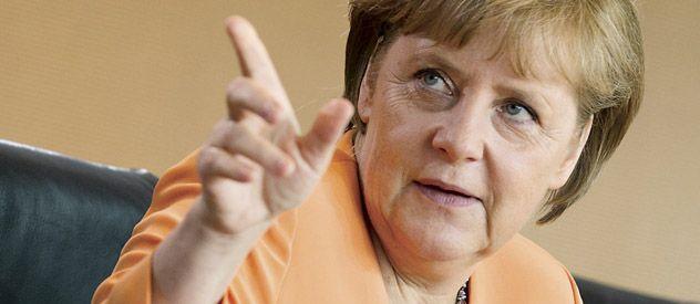 Angela Merkel recibe críticas de medio mundo por su apuesta por el ahorro fiscal. A la vez