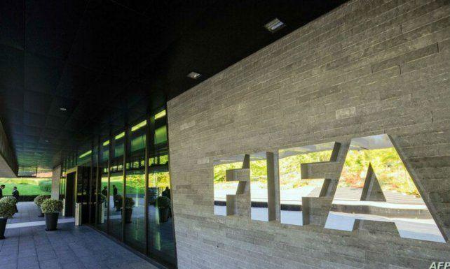 La Fifa abrirá el mercado de pases antes de que termine la temporada