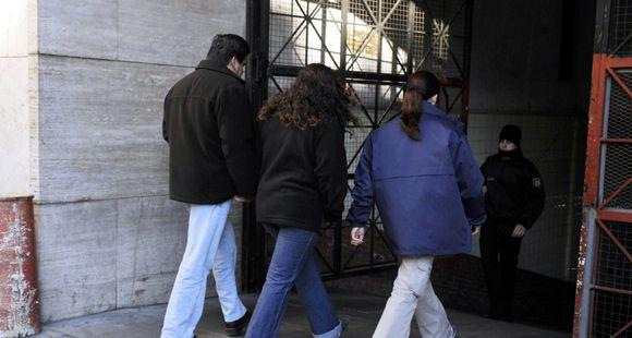 Un abogado ligado a un caso de tráfico de bebés ganó un concurso judicial