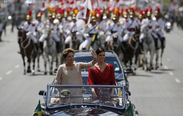 Reasunción. Rousseff y su hija Paula llegaron al palacio del Planalto a bordo de un Rolls Royce descapotable.