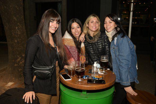 Eliana Glaria, Marlene Morrone, Julieta Cusumano y Micaela Chaparro.
