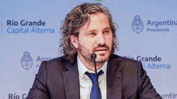 El jefe de Gabinete, Santiago Cafiero, confirmó que el presidente dispondrá, a partir del viernes, nuevas restricciones en la circulación nocturna debido al aumento de casos de coronavirus en todo el país.