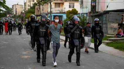 Los arrrestos fueron cientos en Cuba entre el 11 y el 13 de julio. Ya han sentencias, con un proceso penal sin garantías mínimas.