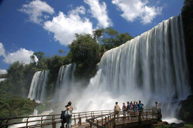 Un clásico. Las cataratas del Iguazú es uno de los destinos más recomendados para disfrutarlo todo el año.