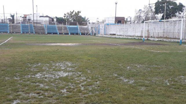 Inundada. La cancha de Belgrano de Zárate
