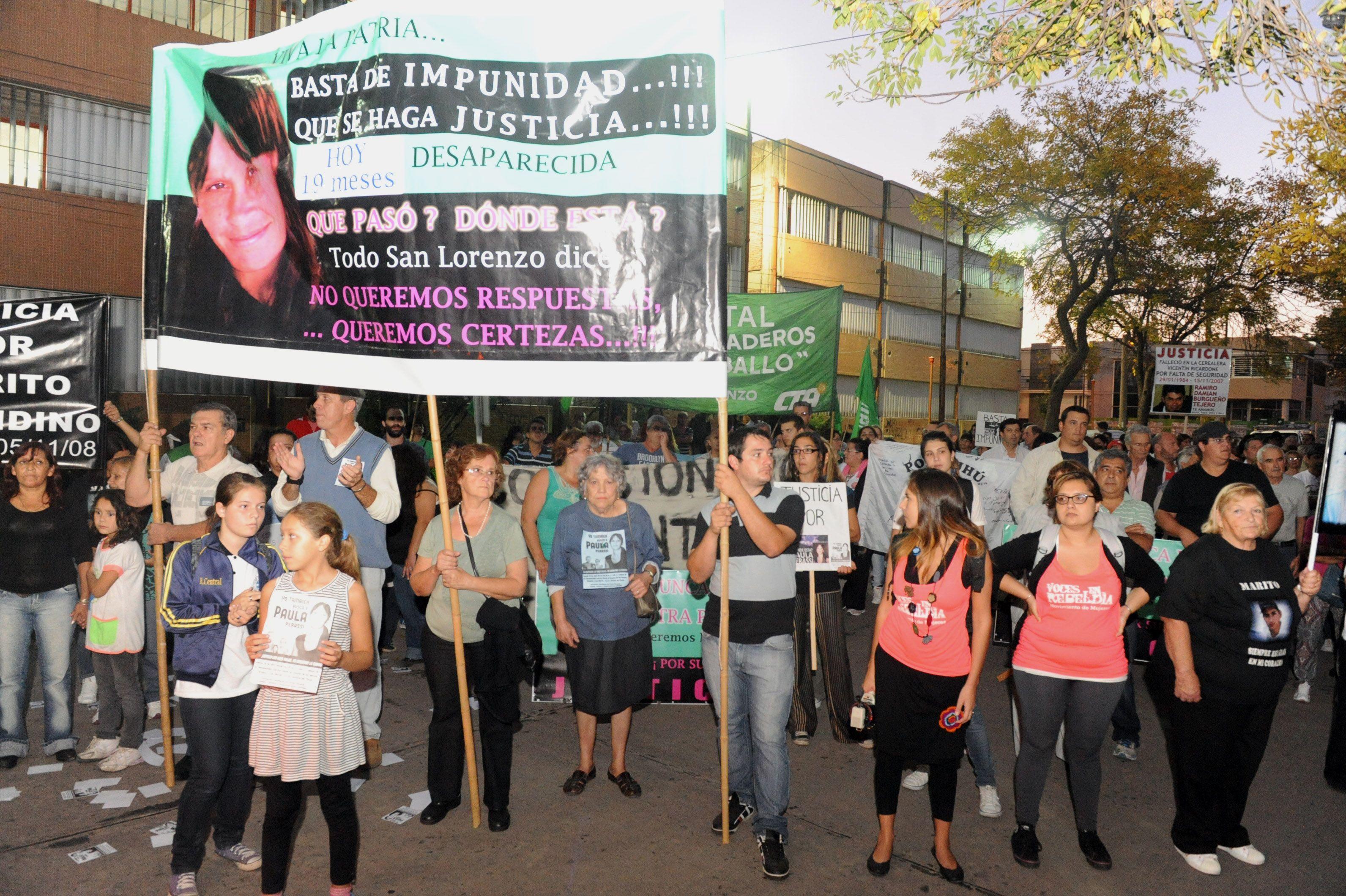 Los habitantes de San Lorenzo hace años que reclaman el esclarecimiento de la desaparición de Paula Perassi.