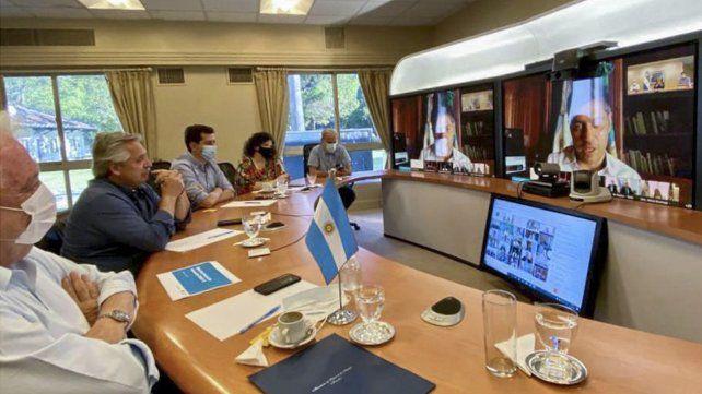 El presidente afinó detalles de la campaña de vacunación en la Argentina con los gobernadores.