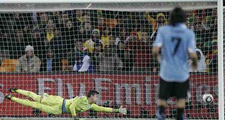 Con final electrizante Uruguay venció a Ghana por penales y jugará con Holanda