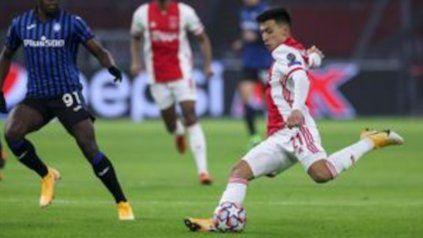 Ronald Koeman lo conoce a Martínez, el exNewells de 23 años que juega en el Ajax, un equipo con el que el Barcelona tiene muy buena relación.