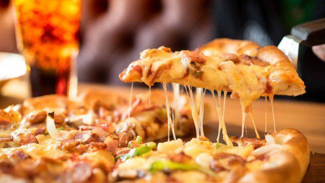 Un usuario de TikTok mostró cómo se puede recalentar una pizza de manera poco convencional.