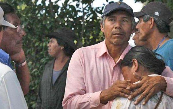 Tragedia y Dolor. El líder qom Félix Díaz (en el centro) es tío de Daniel Asijak