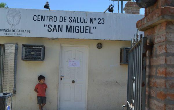 No hay leche. Se puede leer en la puerta del Centro de Salud San Miguel. Esto suele repitirse también en los otros.