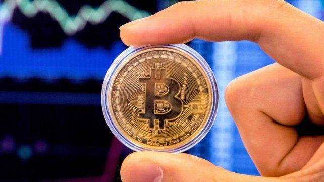 El bitcoin sigue batiendo récords y cotizó por encima de los 60.000 dólares