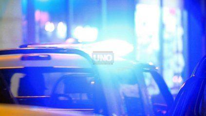 Un chico de 15 años apuñaló tres personas en Victoria