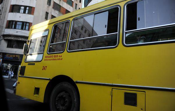 Otra vez. Ahora una unidad de Rosario Bus fue atacada en Corrientes y Gaboto.