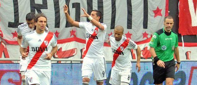 River triunfó de visitante ante Estudiantes con los goles mellizos