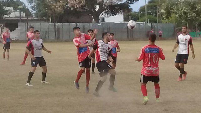 Igualdad en barrio Saladillo: Arijón y Unión de Alvarez empataron 1 a 1. Con este resultado los rojinegros de Alvarez comandan la Zona A con 7 puntos.