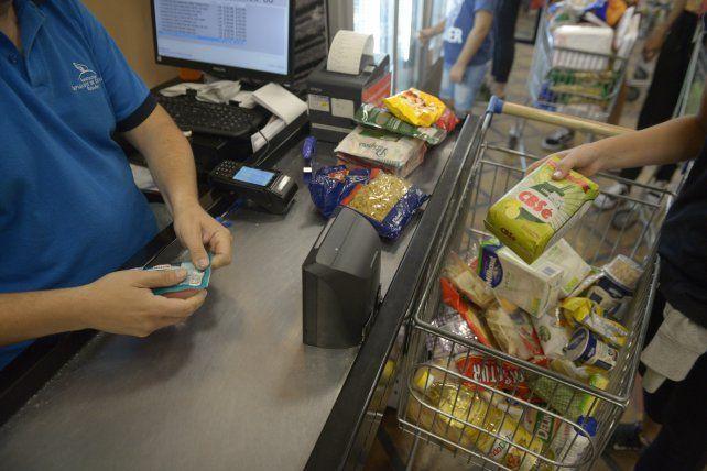 Una familia necesitó 64.445 pesos en mayo para no ser pobre
