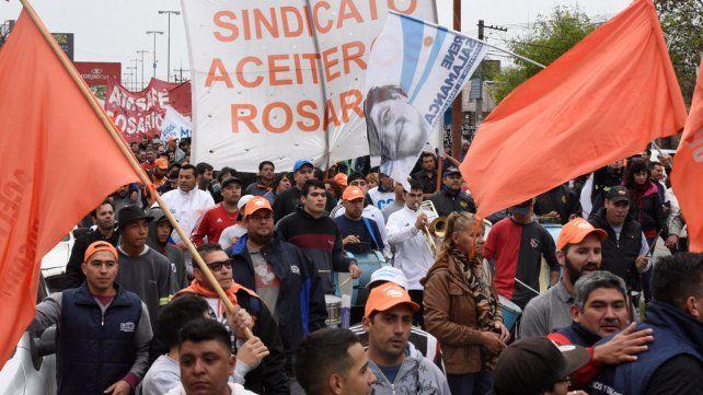Dictaron la conciliación obligatoria y los aceiteros suspendieron la huelga
