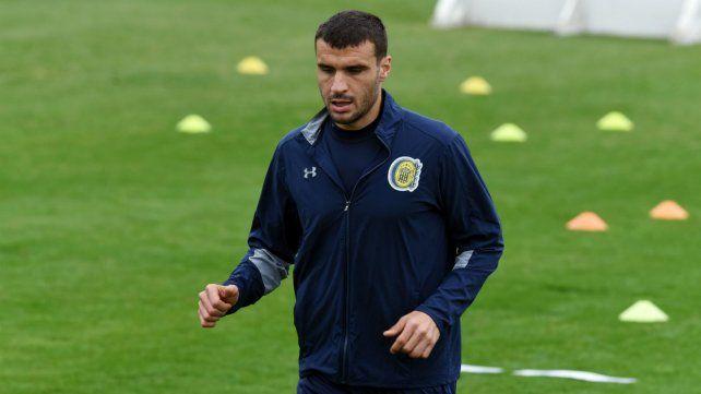 El delantero uruguayo quedó afuera del equipo por lesión.