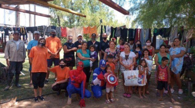 Solidarios. Los Reyes del Paraná comenzaron una nueva campaña en las islas.