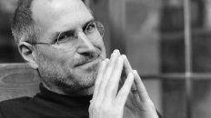 steve jobs cumpliria 66 anos: repaso de la vida del fundador de apple