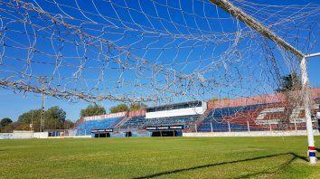 Un escenario vacío. El Gabino Sosa espera que los dirigentes de AFA se decidan para que la pelota vuelva a rodar.