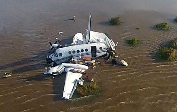 La aeronave siniestrada en el río de la Plata.