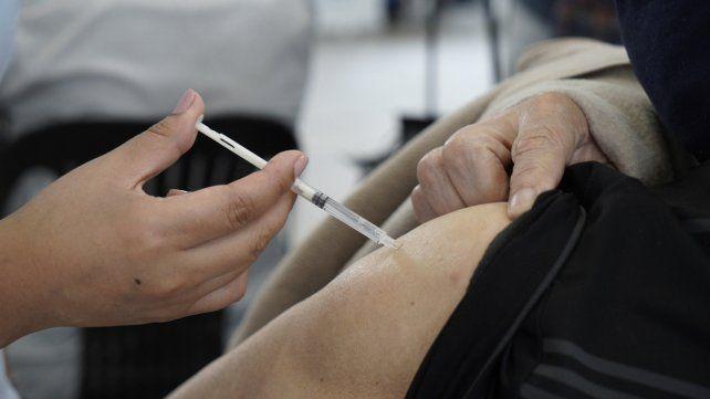El lunes vacunará a docentes