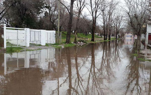 Encontraron muerto al nene que se había caído a un arroyo en medio del temporal en Pilar