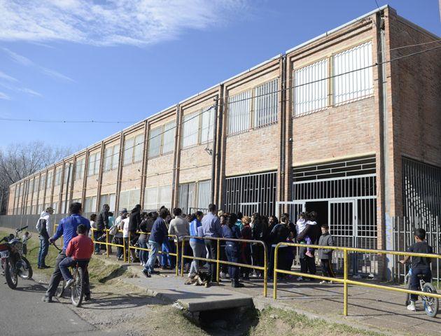 Esta mañana se realizó una asamblea en la escuela de Barra y Saavedra. (Foto:E.Rodriguez)