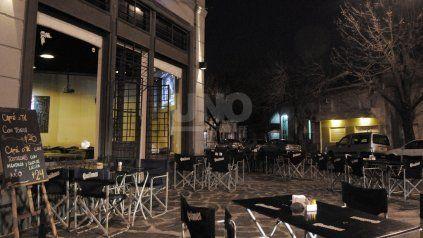 Durante el encuentro virtual con autoridades, el sector de gastronómicos pidió que el cierre comercial sea a las 2 de la madrugada.