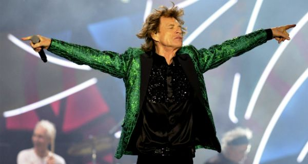 """""""Satisfaction"""". Sus Majestades Satánicos pusieron todo su potencial rockero en escena"""