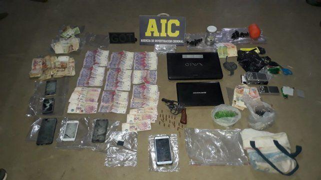 Firmat. Dos adultos fueron detenidos en casas de esaa ciudad