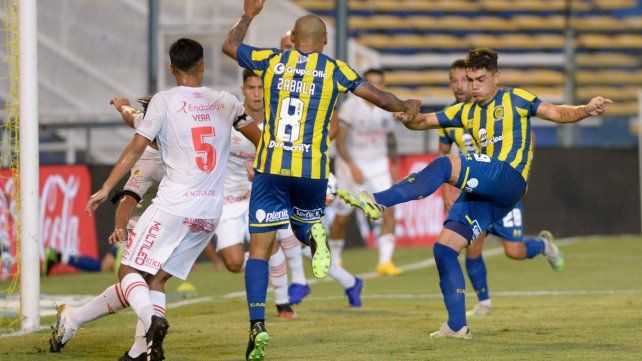 Martínez Dupuy convierte frente a Argentinos Juniors