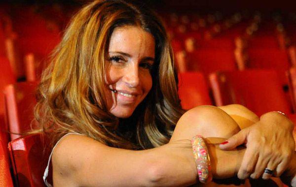 La actriz dijo que la culpa del frizz en el pelo la tiene el gobierno y que al Bailando le falta promoción.