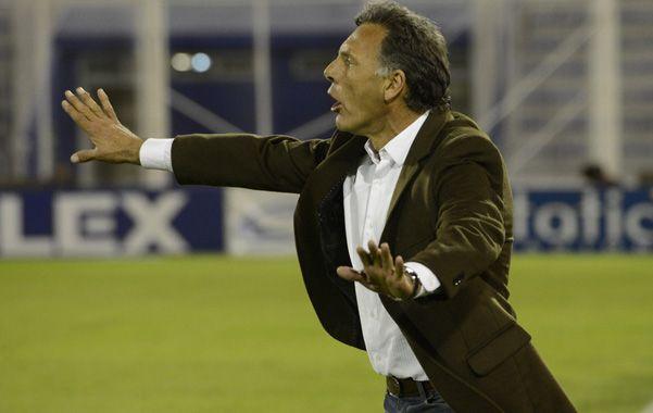 Serenidad. El entrenador intenta darle tranquilidad a sus futbolistas. Russo dijo que hubo errores