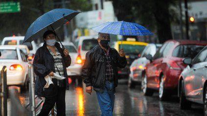 El Servicio Meteorológico renovó el alerta por lluvias fuertes para la mañana de este sábado.