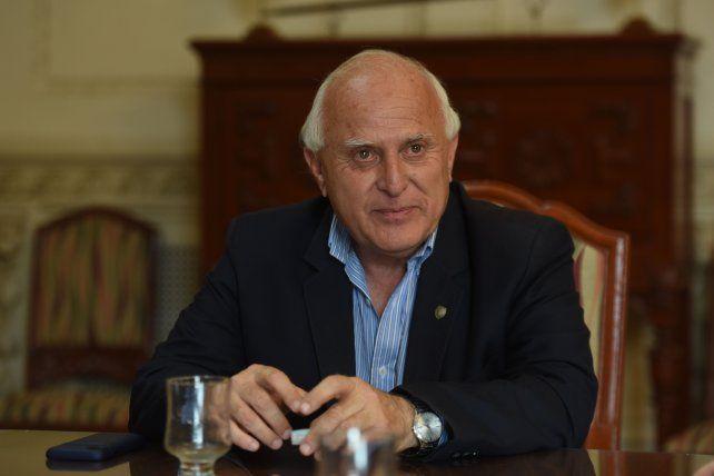 El ex gobernador Lifschitz continúa internado en estado crítico
