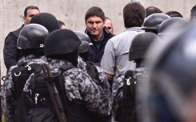 Pullaro: La policía tiene que estar en la calle y el Servicio Penitenciario custodiando presos