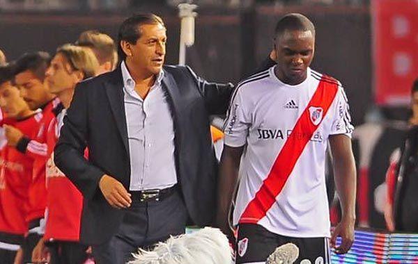 El colombiano no pudo completar el partido del domingo ante Tigre y debió ser reemplazado.