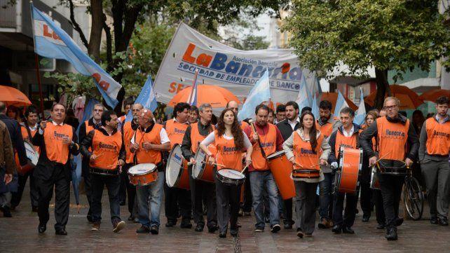 Los trabajadores percibirán antes del 6 de noviembre