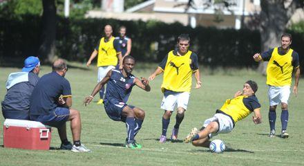 Central empató 0 a 0 en un buen ensayo amistoso ante suplentes de Independiente