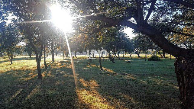 Parque Federal. Miles de santafesinos utilizan a diario el espacio verde para realizar diversas actividades; desde la Asociación vecinal piden más seguridad.