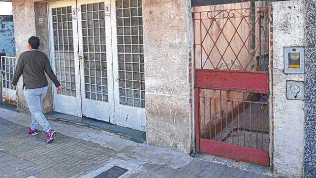 La casa del horror. En esta vivienda de Santiago al 3500 estuvo cautiva la víctima.
